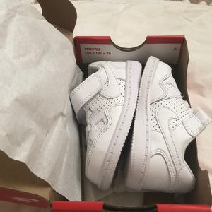 Toddler Nike Son of Force size 6c